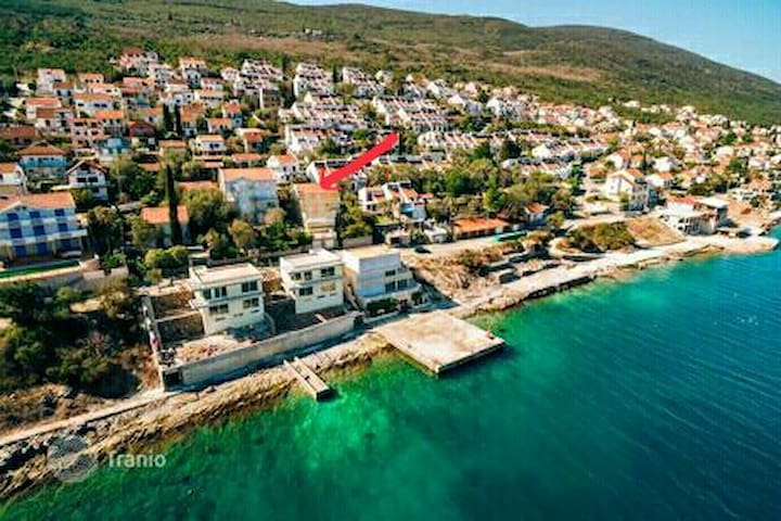Three-storey villa by the sea for a large family