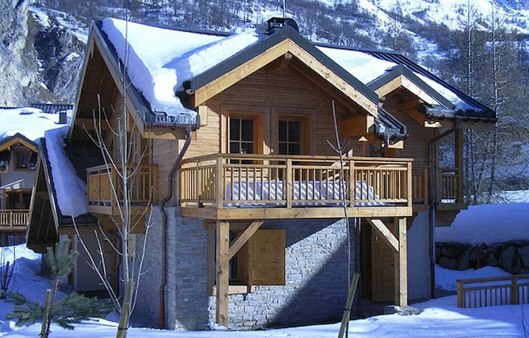 Chalet with wonderful mountain view - VALLOIRE