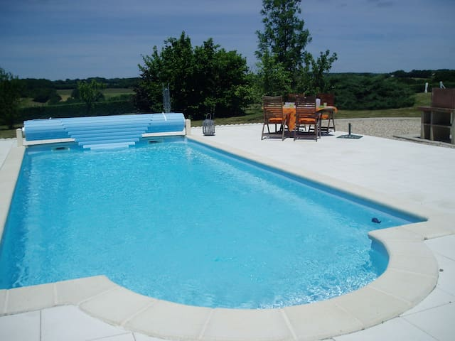 Stay in a Chateau with private swimming pool - Nouzerolles - Casa