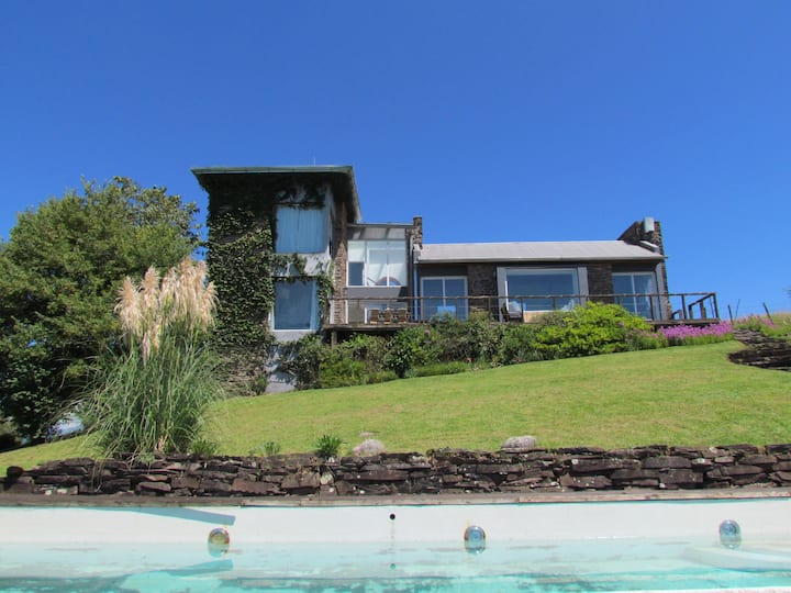 Casa de Piedra con increíbles vistas Villa Nougues