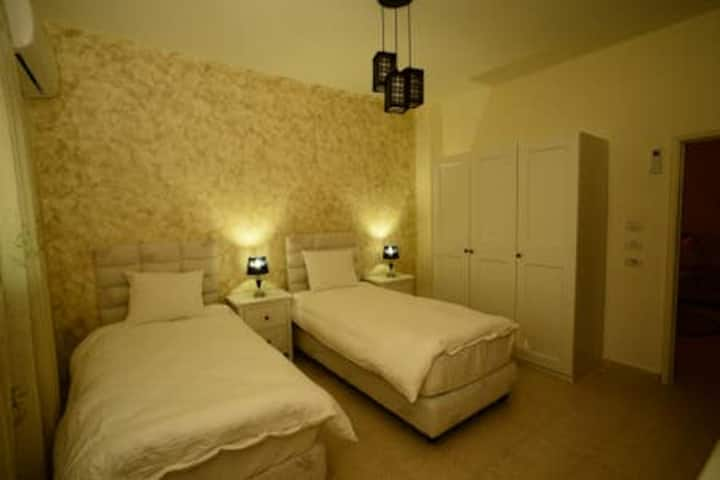 Addiwan Guesthouse: Standard Double Room (Noa)