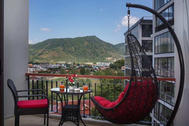 Luxurious  Studio with Mountain View @ beach- 650m
