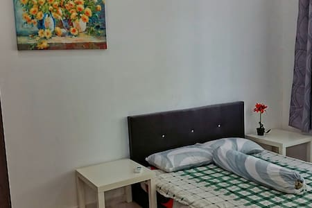 Private Room B of Bungalow At Affordable Price - Melaka - 小平房
