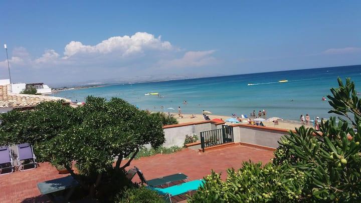 Marzamemi, Villa Reitani sul mare