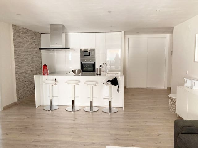 Renovated apartment. 2 bedrooms, terrace & pool
