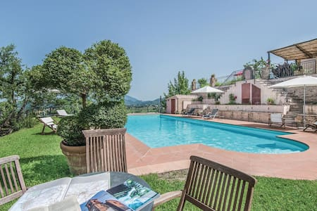 Holiday cottage with 1 bedroom on 68m² in Poggio Catino RI