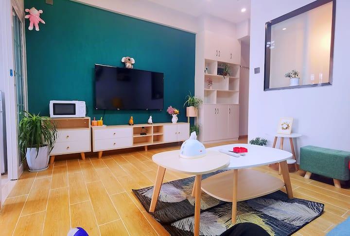 45平精装阳光一室一厅一卫+独立厨房公寓+洞子口地铁口+全套家电+周边餐饮很多,消毒必备,高性价比