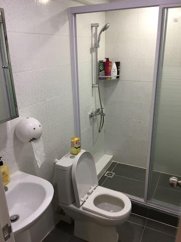 Neat Toilet 2. 浴室#2