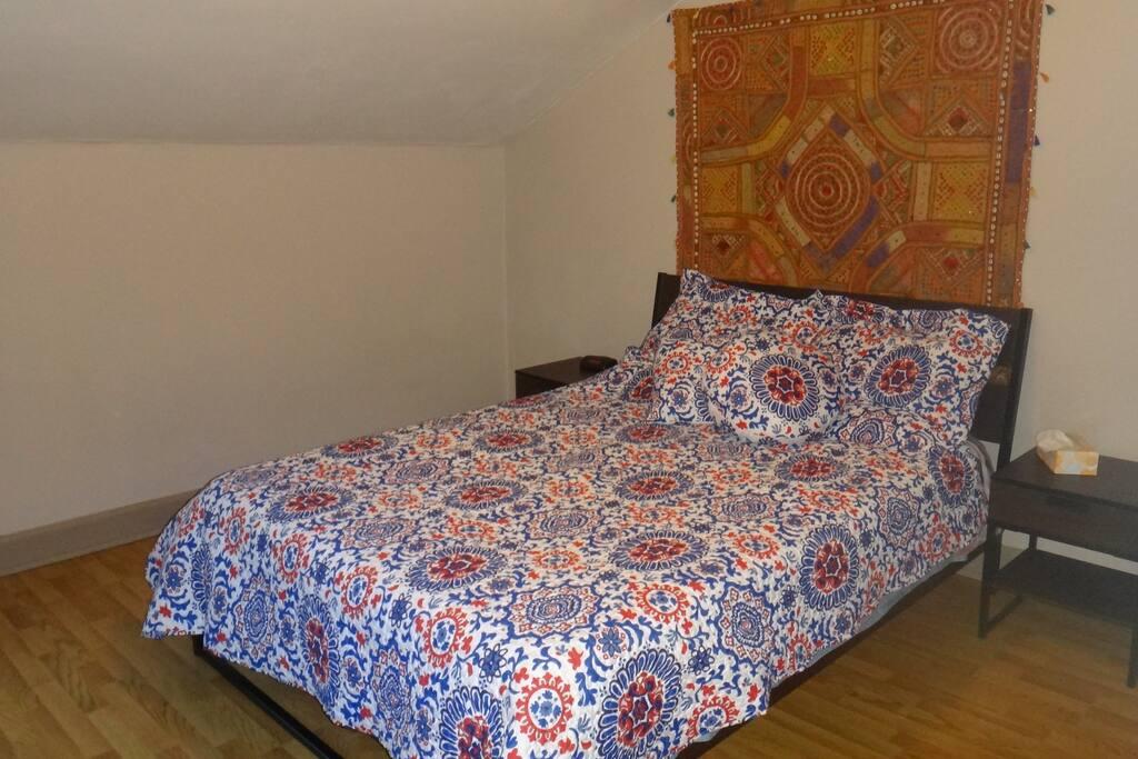 Chambre 1 - lit Queen