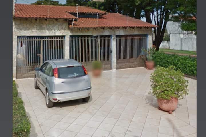 Flat Trevo Dourados | AC + Garagem + TV a cabo