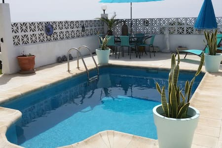 Spanish Villa with Private Pool - 馬尼爾瓦