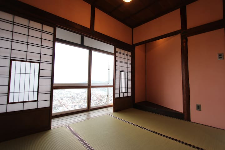 Trad Japanese Room w/view of Onomichi Channel (桜) - Onomichi-shi - วิลล่า