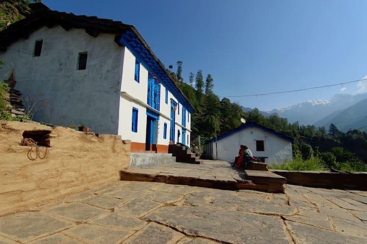100 Years old Kumaoni Home