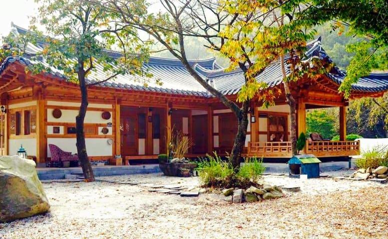 호연재 한옥- 강산방 - Wanju-gun