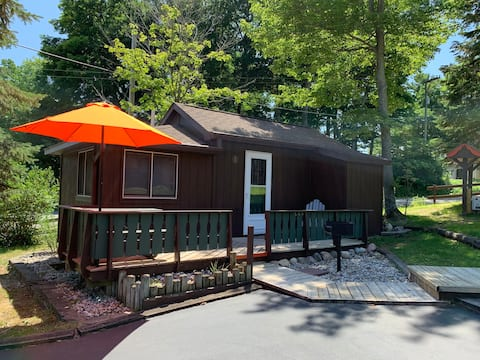 Where the Glen Lakes meet: Hill Haven Cabin 1