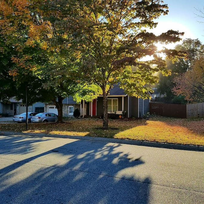 Tour atlanta with us comfy home in lake community case for A le salon duluth mn