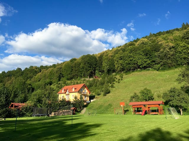 Hétvezér Panzió, Székelyföld-Zeteváralja