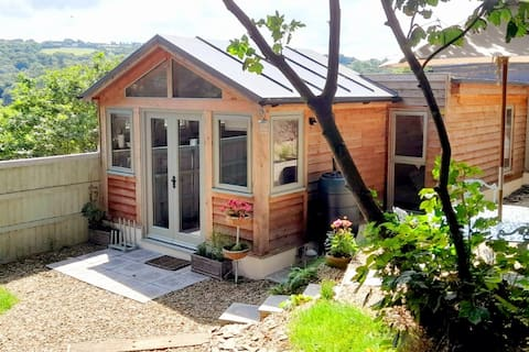 Coastal Cottage - 500m from the Wales Coast Path