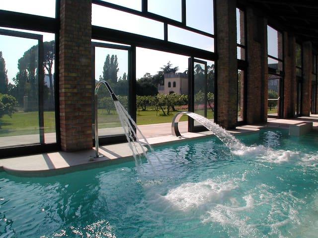CasaZorzi Olea - Guesthouse of a castle with pool