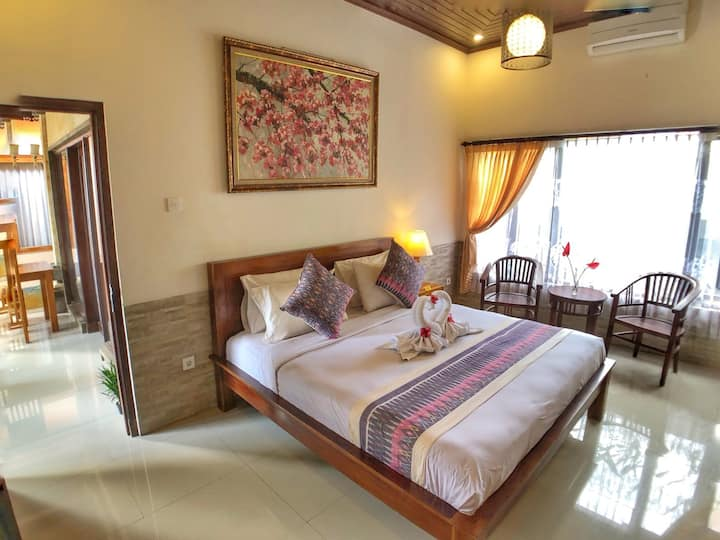 Fancy private room with garden view, 5 min to Ubud