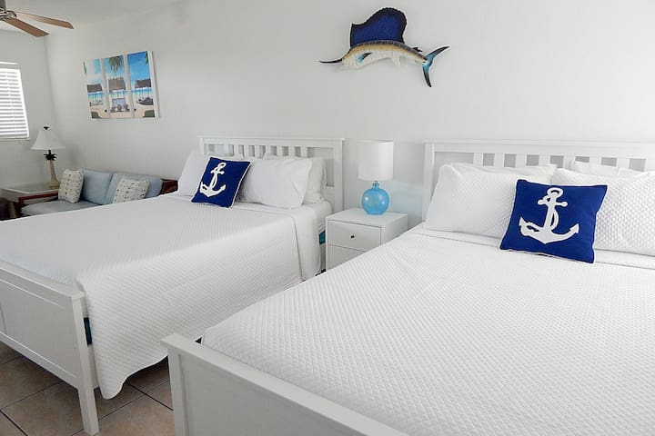 Anchors Away, Ocean Views Sleeps 4 Key Colony
