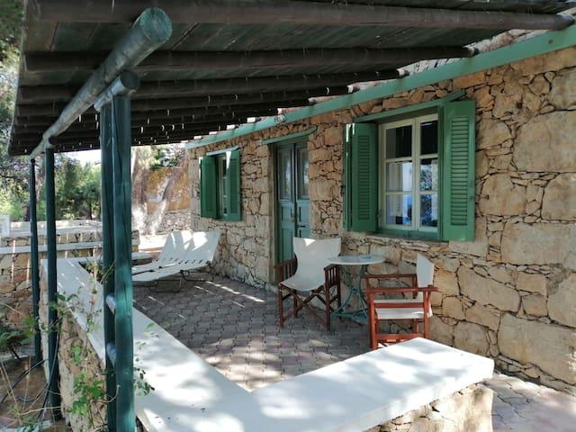 PETRINO 1 - Traditional Lerian House