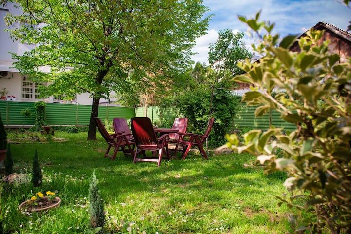 INNA II Apartment with big garden