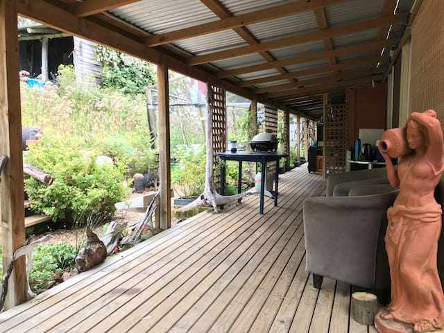 A Taste of Bruny Budget Accommodation