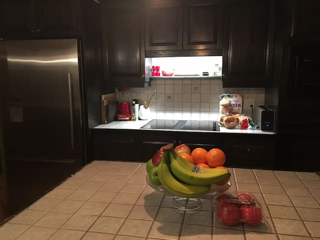 Cooking area with provisions