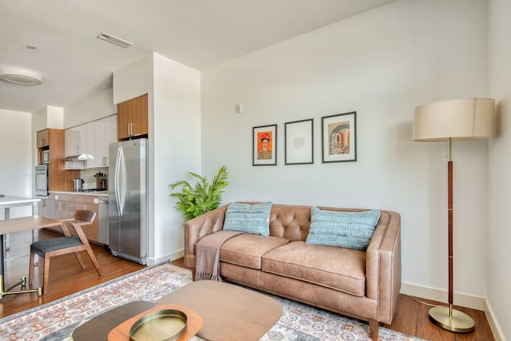 Fantastic 1BR in Waltham, Parking + Pet-Friendly