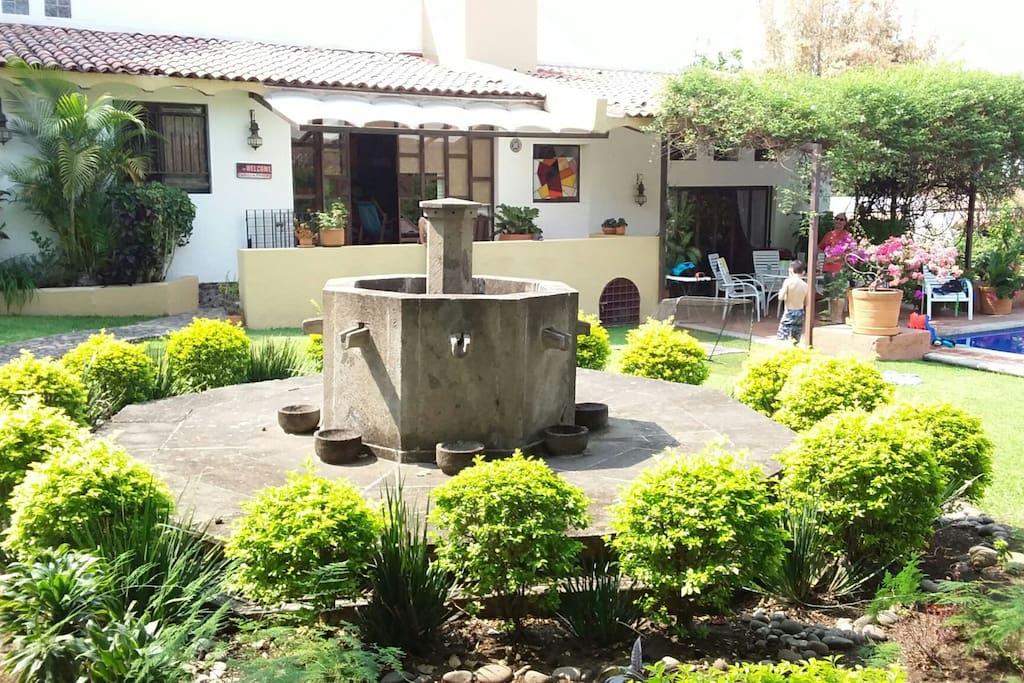 Vista del jardín y terraza