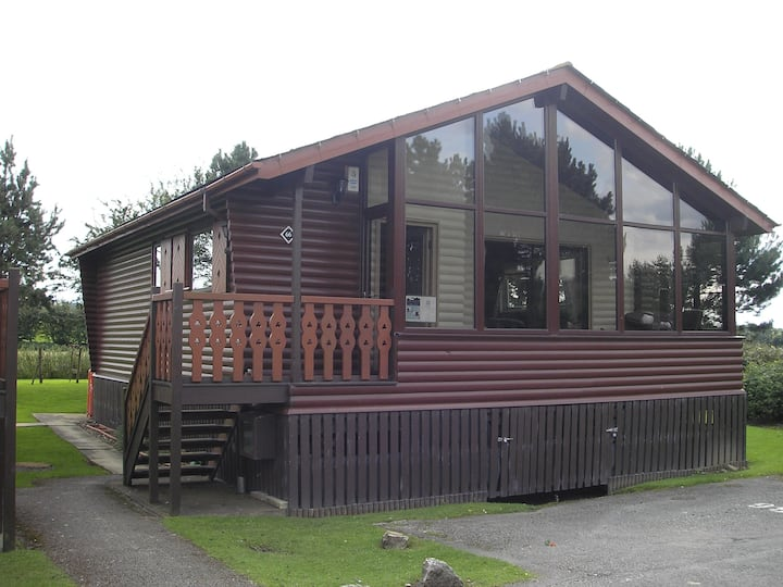 Keer side - Luxury Cabin - leisure center included