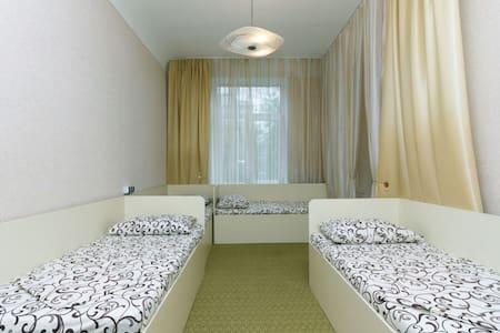 Хостел 4DA (кровать в мужском номере 1) - Kiev