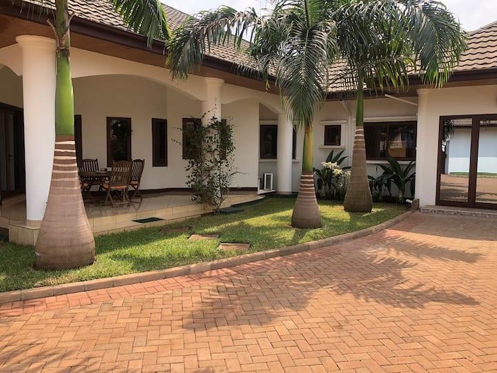 Executive En-suite Room in Exclusive Private Villa