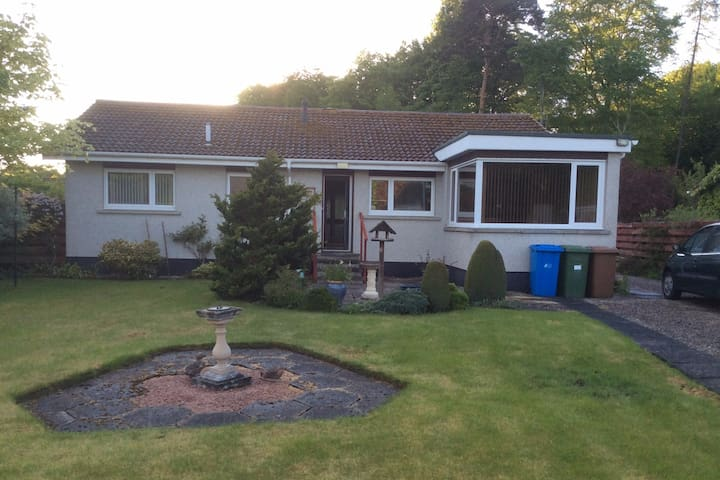 Fully equipped house with gardens in Nairn