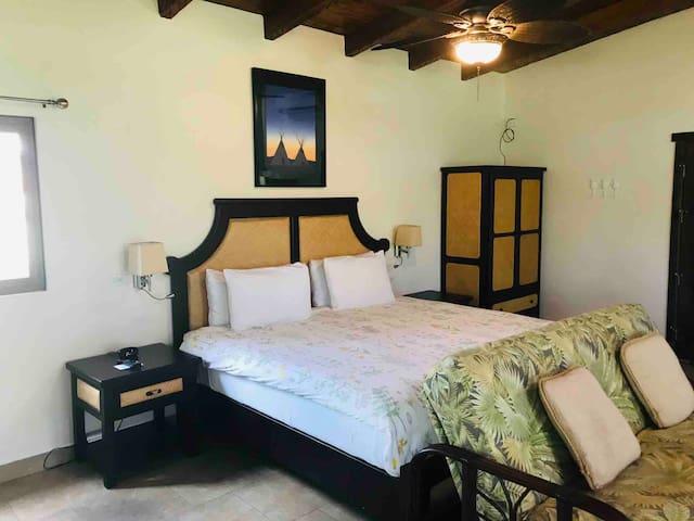 Pua Villa - king bed