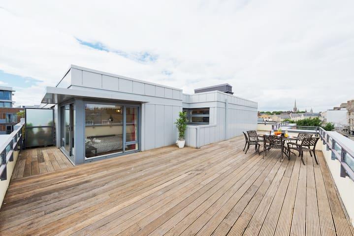 Stunning citycentre penthouse wt wraparoundbalcony - Dublin - Apartment