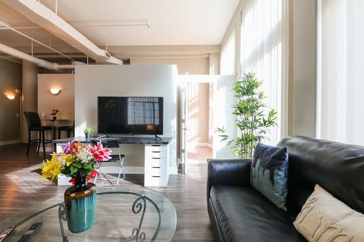 Exciting 2BR Apartment in Downtown Denver