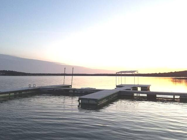 NEW & Modern, Cabin #2 @ Lake Cisco Rentals