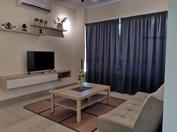 Marvelous 3R 2B Suite next to MRT Station!