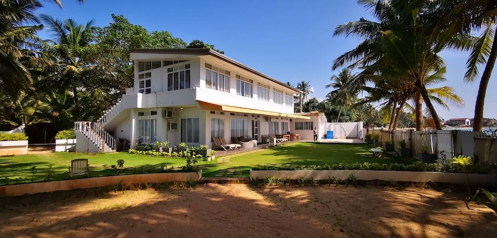 Seven Seas Beach Villa