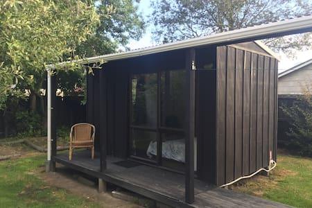 Cosy cabin - Christchurch