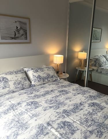 Double Bedroom/Private Bathroom 5km to CBD - Alexandria - Huoneisto
