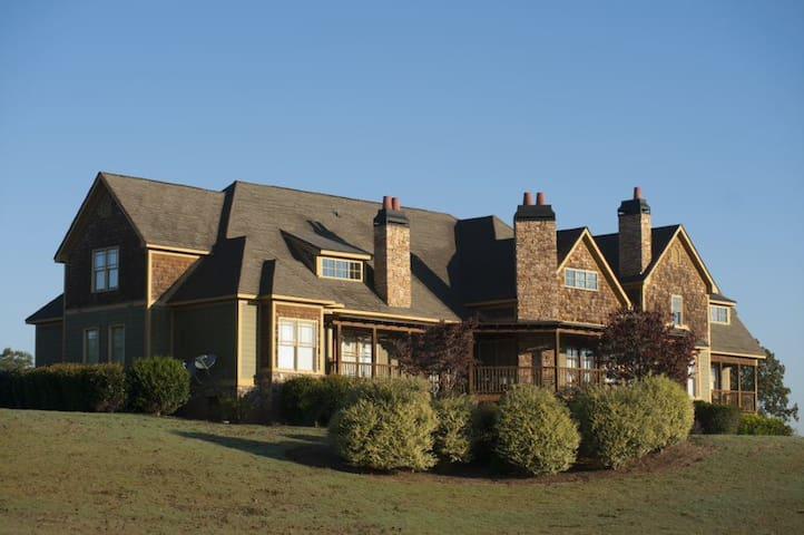 The Hogan - The Lodge at Chimney Oaks