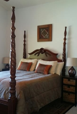 Master suite close to Wine Country and Old Town