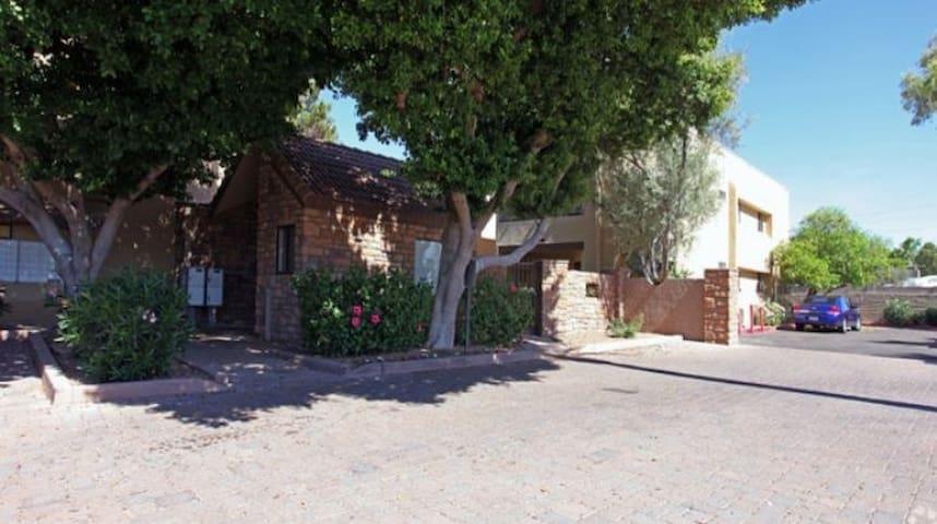 Convenient Room Close to Scottsdale/Phx/Tempe