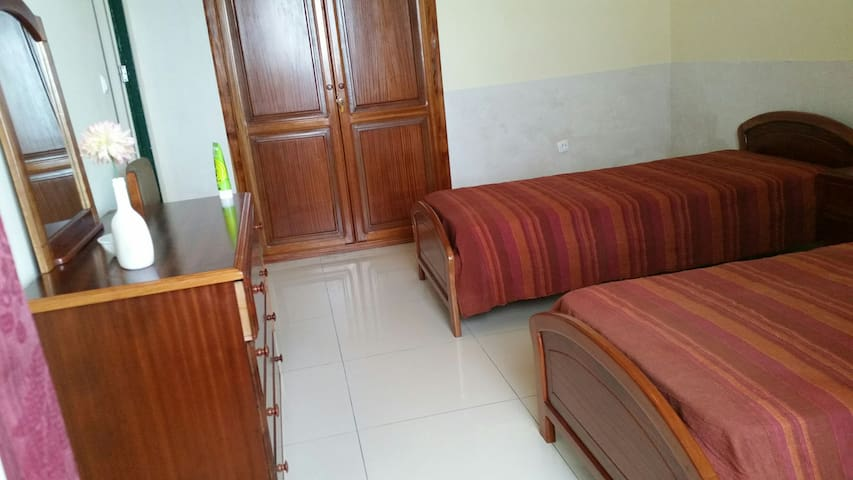 STAR HOUSE  Quarto/room 3 - Ribeira Grande - Rumah