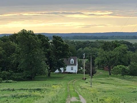 Gracious Farmhouse with Beautiful Views