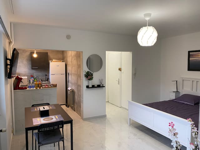 Beautiful modern Apartement close to Basel