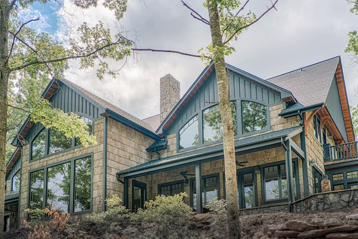 Gorgeous Private Mountain Home, 15 min from TIEC - Mill Spring - House